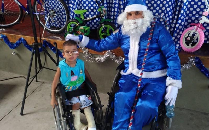 Festa de natal para filhos de policiais mortos e filhos com deficiência