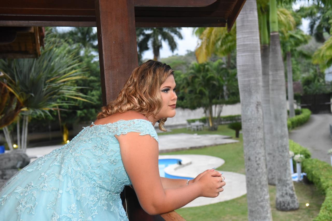 Baile de Debutantes reúne dependentes de profissionais de segurança pública